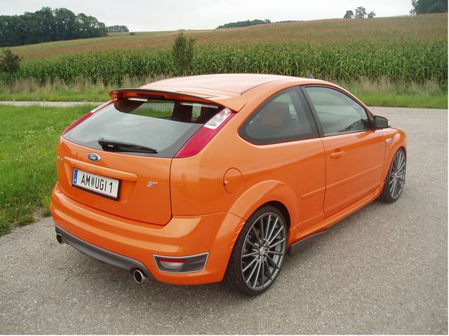 Ford Focus St 2 5 L Duratec 166 Kw 225ps